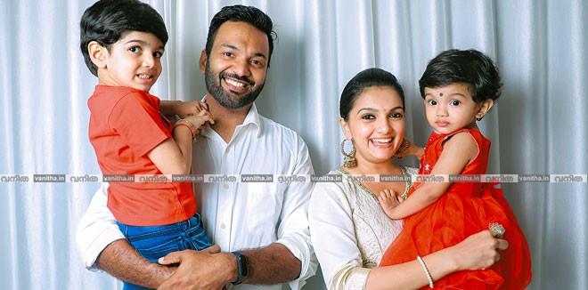 saranya-family-re