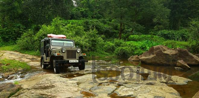 5)-Mankulam---Anakkulam-jeep-trekking