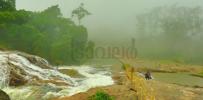 1)-Kainakari-falls
