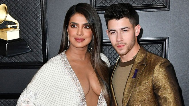 PriyankaChopra-NickJonas-Grammys-VogueGlobal-26Jan20-GettyImages-1366x768