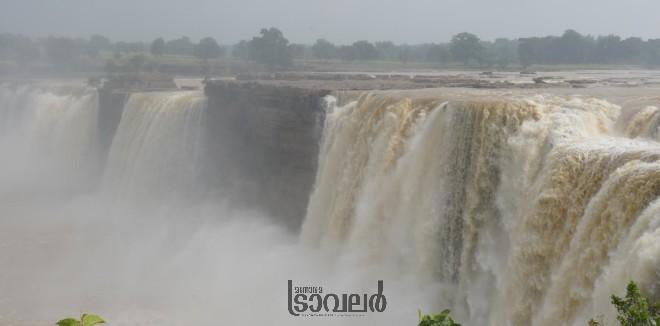 Chithrakood Waterfalls1