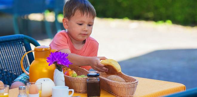 Healthy diet for babies to school children