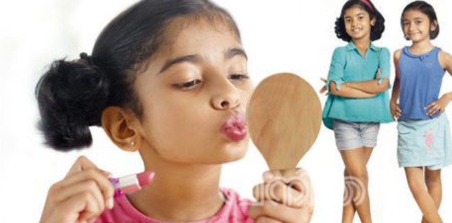 Things to keep in mind about children playing and applying cosmetics