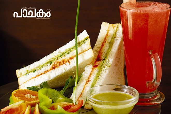 Layered-chutney-sandwich