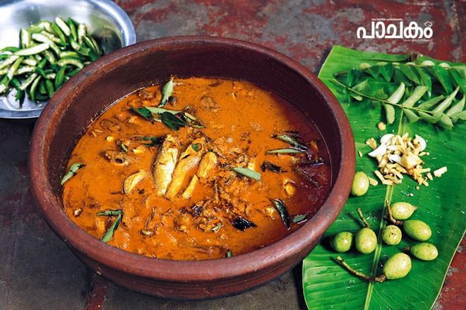 Ambazhanga-meen-curry
