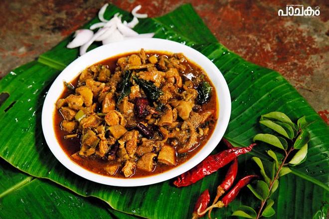 Varutharacha-potti-curry
