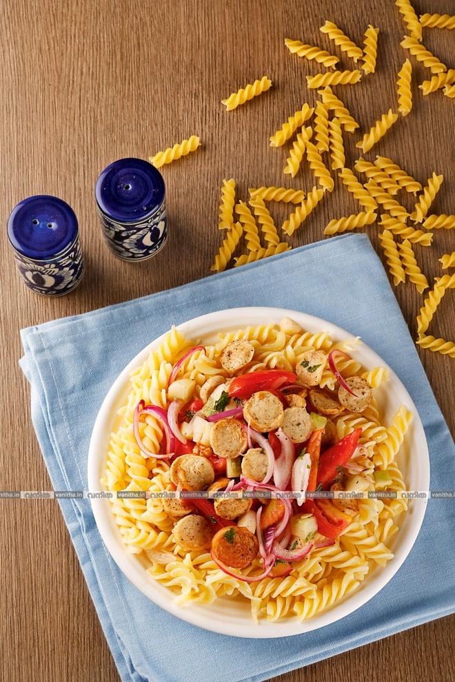 Sausage-&-pasta-salad